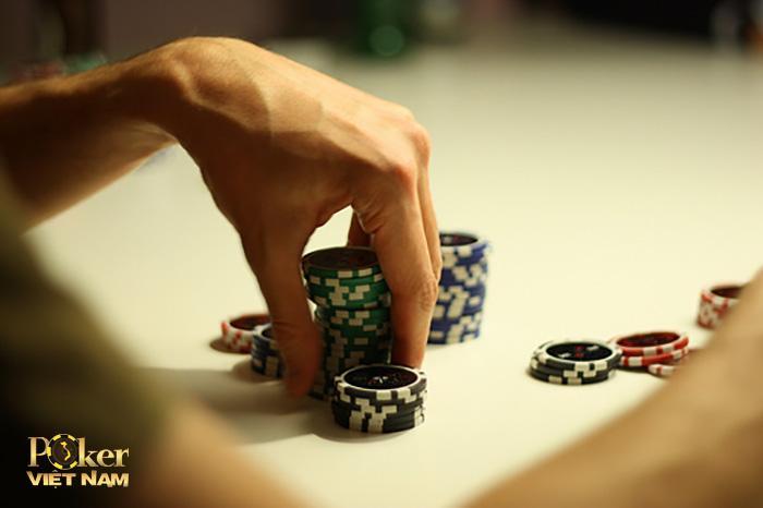 lý do bet khi chơi poker
