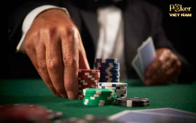 chơi poker vòng postflop - cbet