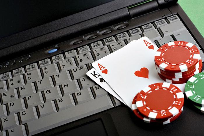 poker va cong viec.jpg