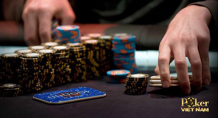 Poker: Check raise cú hồi mã thương hiểm hóc